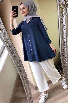 New Hijab Fashion for Muslim Woman's Modern Hijab Fashion, Street Hijab Fashion, Hijab Fashion Inspiration, Muslim Fashion, Modest Fashion, Fashion Trends, Casual Hijab Outfit, Hijab Chic, Moda Hijab