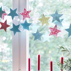 Girlande aus Sternen als Weihnachtsdeko