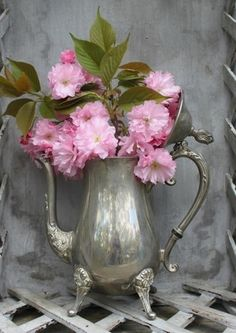 Details - Using vintage silver tea pot as a vase is a creative and charming way to accessorize - I think that pink is the best pop of color for the Tudor Living room Erin and I are designing. All white, light gray, braze/silver with that pink pop! Deco Floral, Arte Floral, Love Flowers, Beautiful Flowers, Shabby Flowers, Silver Flowers, Vintage Flowers, Deco Nature, Silver Teapot