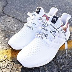 """- Limited Edition """"3 Stripes International"""" shoelaces exclusive to Laced Up - Pure white lace featuring black text and white plastic aglets - This lace features all 4 languages from the heel tab of the Adidas NMD - English, French, German and Japanese - The text reads """"The brand with the 3 stripes"""""""