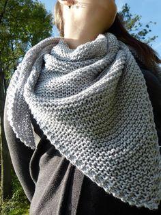 First triangular scarf for beginners - wool ball knitting - scarf . - First triangular scarf for beginners – wool ball knitting – -