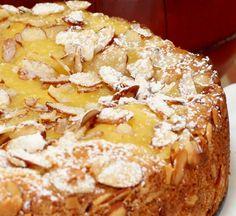 Lemon Almond Torta: lemon curd baked on top of dense, buttery pastry Lemon Desserts, Lemon Recipes, Just Desserts, Cake Recipes, Dessert Recipes, Lemon Curd Dessert, Bolo Normal, Cupcake Cakes, Cupcakes