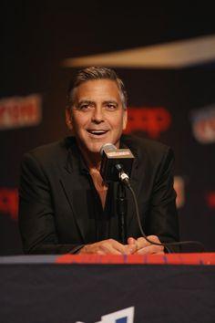 Pin for Later: George Clooney Est Allé à Comic-Con, et Voila Ce Qui S'est Passé
