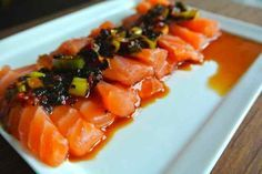 WITH LOVE FROM JAPAN: Sashimi with seaweed vinegar dressing - Sim Cooked - This is by far the number 1 in my recipes. How nice. This delicious dish is ready in no time and th - Tapas, Fish And Meat, Fish And Seafood, I Love Food, Good Food, Yummy Food, Fish Dishes, Tasty Dishes, Fish Recipes