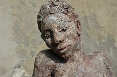 Marianne van den Berg, Sophia, ceramic patinated 38 x 34 x 22