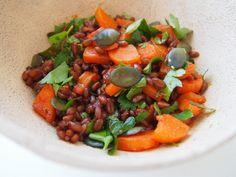 Jarní salát z červené pšenice a mrkve Tempeh, Raw Vegan, Cantaloupe, Fruit, Food, Red Peppers, Essen, Meals, Yemek
