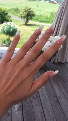 Ombré French Nails – The Best Nail Designs – Nail Polish Colors & Trends Cute Acrylic Nails, Cute Nails, Pretty Nails, French Acrylic Nails, Neutral Acrylic Nails, Acrylic Art, French Stiletto Nails, Painted Acrylic Nails, Acrylic Summer Nails Coffin