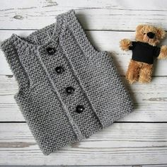 With this pattern by Easy Knitting Patterns you will lear how to knit a PDF pattern Knit baby vest step by step. It is an easy tutorial about vest to knit with crochet or tricot.