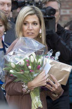 Reine des Pays-Bas en photos - Maxima toujours originale côté bijoux