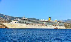 Costa Mediterranea  (στο Αργοστόλι). Ιδιοκτησία: Carnival Corporation plc. Διαχείριση: Costa Crociere. Παρθενικό ταξίδι στις 27/05/2013 ~ 85.619 GT ~ 292 μ.μ ~  32,2 μ.πλάτος ~ 12 κατ/τα ~ 24 knots ~ 2.680 επιβ. ~ 912 α. πλ.