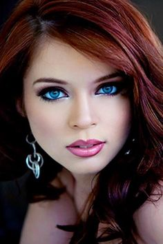 This babe is a stunner! I know makeup can do a lot of things for women but this is perhaps maybe the most beautiful pic of a babe I've seen yet. Stunning Eyes, Gorgeous Eyes, Beautiful Redhead, Pretty Eyes, Cool Eyes, Most Beautiful, Beautiful Women, Amazing Eyes, Absolutely Fabulous