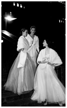 Evelyn Tripp, Sunny Harnett and Dovima  Photo by Gjon Mili, 1946