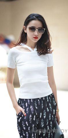 Short sleeved knit T-shirt