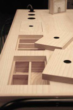 Fächer in Tischplatte statt Schubladen