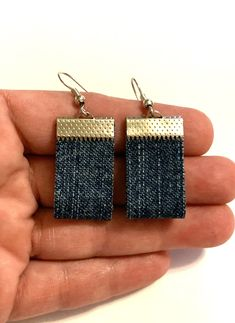 Excited to share this item from my #etsy shop: Small short blue jean denim fabric ribbon clasp earrings boho hippie unique lightweight stylish handmade dangle drop denim jewelry gift fun#small#short#blue#jean#denim#fabric#earrings#boho#hippie#lightweight#unique#handmade #rectangle #geometric #stylish Diy Denim Earrings, Fabric Earrings, Custom Earrings, Fabric Jewelry, Boho Earrings, Diy Jewelry Recycled, Recycled Denim, Hardware Jewelry, Denim Fabric