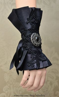 Beautiful Gothic Victorian Cuff Bracelet, Lolita Vampire Style, Dark Fashion, Elegant Goth Wedding Jewelry, Medieval Fantasy Accessories