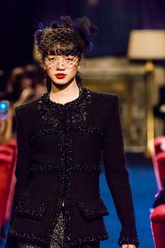 「シャネル」が東京でショー開催、小松菜奈がランウエイに登場│WWD JAPAN Party Fashion, Boho Fashion, Fashion Beauty, Girl Fashion, Japanese Beauty, Japanese Girl, Nana Komatsu Fashion, Asian Woman, Asian Girl