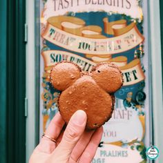 10 Must Have Disneyland Paris Snacks - Inside the Magic