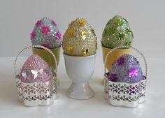 Easter Egg Crafts, Easter Eggs, Easter Decor, Sequin Ornaments, Easter Party, Easter Brunch, Egg Decorating, Cute Crafts, Easter Baskets