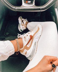Dr Shoes, Cute Nike Shoes, Cute Nikes, Cute Sneakers, Nike Air Shoes, Hype Shoes, Me Too Shoes, Sneakers Nike, Good Shoes