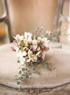 #neutral wedding ... neutral bridal bouquet... Wedding ideas for brides, grooms, parents & planners ... https://itunes.apple.com/us/app/the-gold-wedding-planner/id498112599?ls=1=8 … plus how to organise an entire wedding ♥ The Gold Wedding Planner iPhone App ♥