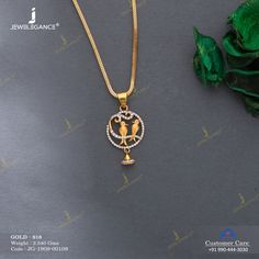 Jewellery that brings smile. Gold Mangalsutra Designs, Gold Earrings Designs, Gold Chain Design, Gold Jewellery Design, Womens Jewelry Rings, Jewelry Bracelets, Women Jewelry, Gold Pendent, Gold Jewelry Simple