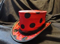 Three quarter top hat with spots.
