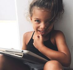 This kinda makes me want to have mixed babies lol beautiful children Baby Outfits, Beautiful Children, Beautiful Babies, Beautiful Smile, Cute Kids, Cute Babies, Cute Mixed Kids, Rare Baby Names, Baby Kind