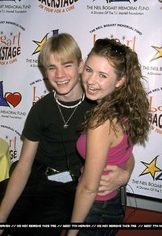 Simon (David Gallagher) and Lucy (Beverley Mitchell). <3  My two favorite 7th Heaven characters. :)
