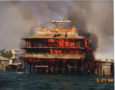 Redondo Beach Pier fire, 1988 What a horrible year. Was so sad when this happened. My first job was at a food place here. Redondo Beach Pier, Redondo Beach California, California Homes, Southern California, California Living, San Luis Obispo County, Surf City, Food Places, Beach Walk