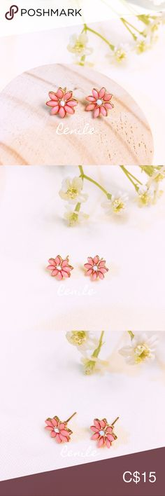 🌸 Floral Earrings 🌸 · 100% Brand NEW · Material: Alloy, Beads · Needle Material: Steel  · Size:  W 1 cm x H 1 cm · Sold only in pairs · All pictures took from the real items. However, as the actual colors you see will depend on your monitor, we cannot guarantee that your monitor's display of any color will be accurate. Jewelry Earrings All Pictures, Pink White, Pink Ladies, Monitor, Women Jewelry, Pairs, Display, Steel, Beads