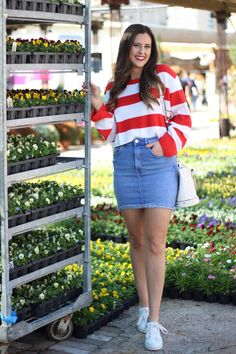 Red & White Striped H&M Sweater Merci Marie, Red And White Stripes, Fashion Advice, Denim Skirt, High Waisted Skirt, Chic, Casual, Skirts, Sweaters