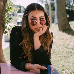 Danna Paola (@dannapaola) • Fotos y videos de Instagram Clip Hairstyles, Trendy Hairstyles, Paola Style, Celebs, Celebrities, Pretty Woman, Hair Clips, My Hair, Short Hair Styles