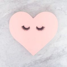 May your lashes beautiful on a Friday!