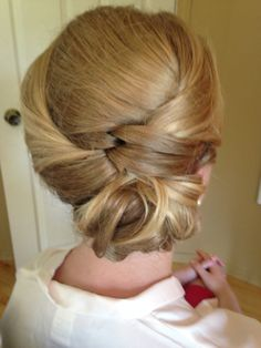 Side Updo knots and chignon. Something Beautiful, Hair Designs, Updo, Knots, That Look, Designers, Bridal, Wedding, Ideas