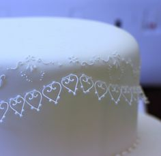 Delicate royal icing heart detail