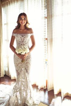 Obsessed with this jatoncouture bride. OMG | Elegant Shangri-La Boracay Wedding.