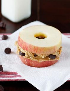 Afternoon Snack: Apple Sandwiches! (: I used raisins instead of chocolate chips and the kids gobbled them up! LOVE them!