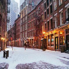 Stone Street, New York City by Vivienne Gucwa @travelinglens