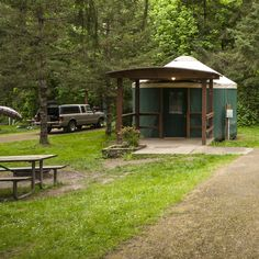 With its adjacency to I-5, camping at Paradise Point State Park certainly won't be the most pristine overnight outdoor excursion available to those living in the Portland Metro Area. Its proximity to the city surely makes it convenient, however, and if you are willing to walk a few hundred yards to