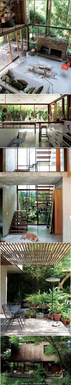 La maison d' Alejandro Rosuti Kotti, architecte est construite dans la banlieue de Buenos- Aires, là ou la forêt tropicale semble déjà prendre ses marques. Il  a la passion de la nature et un «bâtiment vert» s'est imposé tout naturellement. Le bois de la façade se grise avec le temps et la maison se fond peu à peu dans son environnement naturel. - created via http://pinthemall.net