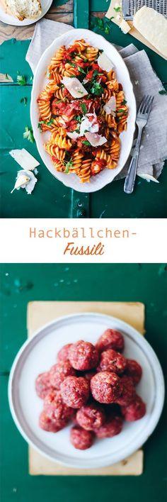 Rezept für Pasta Fussili mit Hackbällchensauce / meatballs and pasta recipe / www.zuckerzimtundliebe.de