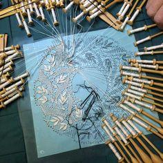 Ouvrages de mes élèves - Dentelle aux fuseaux, apprendre facilement Art Du Fil, Bobbin Lace Patterns, Diy Inspiration, Lacemaking, Weaving Art, Needle Lace, Antique Lace, Embroidery Techniques, Handicraft