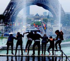 friends in paris Future trip