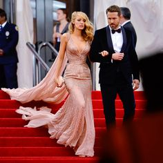 Blake Lively and Ryan Reynolds at the Met Gala Blake Lively Outfits, Blake Lively Style, Gala Dresses, Dresses For Teens, Nice Dresses, Gossip Girl Hairstyles, Hollywood Red Carpet, Celebrity Wedding Dresses, Red Carpet Gowns