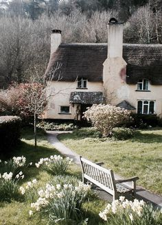 english cottage, countryside, home, spring, garden, daffodil, easter, exterior