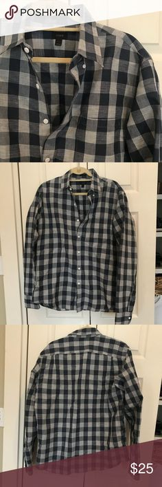 J. Crew Slim Button Down Shirt 🚫PAYPAL  🚫TRADES ❤️BUNDLES ✨USE THE OFFER BUTTON   📦FAST SHIPPER 💕SHARE THE LOVE J. Crew Shirts Casual Button Down Shirts
