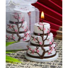 Bomboniera candela a forma di torta decorata da fiori di ciliegio