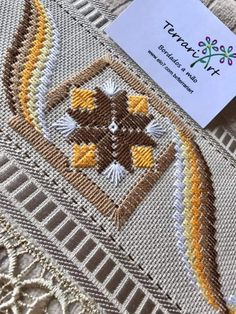 Motifs Bargello, Bargello Patterns, Hardanger Embroidery, Embroidery Applique, Embroidery Designs, Crochet Patterns Amigurumi, Fiber Art, Needlepoint, Diy And Crafts