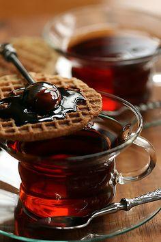 Tea time (Dutch tea time, with a stroop waffel!)